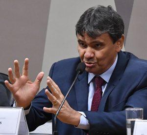 Comissão da Covid ouve governadores sobre compra descentralizada de vacinas