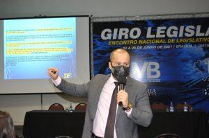 Dúvidas sobre Diárias?                                  Advogado Danilo Falcão esclarece sobre a concessão de diárias por parte das Câmaras Municipais