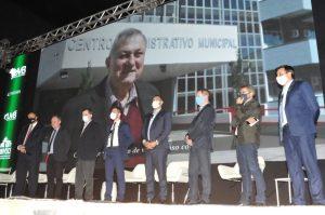 Marcha dos Legislativos destaca Cristo e homenageia ex-prefeito de Encantado/RS